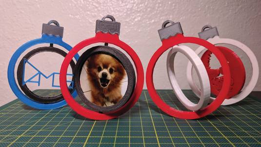 3D Printed Spinning Photo Christmas Ornaments!